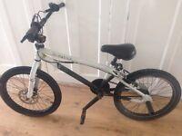 Boys black/white bmx bike..8/9 years old child lovely condition