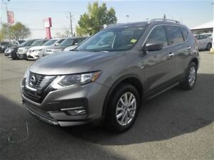 2017 Nissan Rogue SV | Moon Roof | Heated Seats | Backup CAM