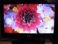 TV LCD LG 26 INCH HD READY HDMI FREEVIEW
