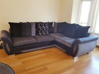 IMMACULATE CORNER SOFA & MATCHING CUDDLE CHAIR