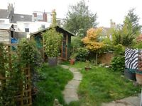 Free parking / Cosy two bedroom Garden Flat available for the month of May
