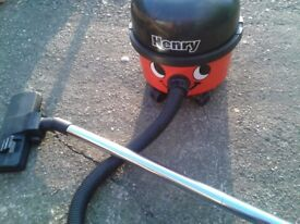 Henry Vacuum HVR 200 Good Suction Tools