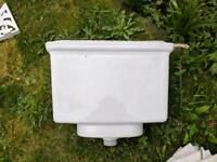 Ideal Standard cistern and lid with brackets