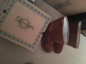 Ladies tan Sketcher ugg style boots size 6 in box