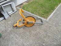 caravan wheel clamp in good condition comes with three keys