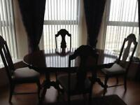 Beautiful mahogany table and 4 chairs