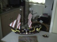 LEGO 6285 BLACK SEAS BARRACUDA PIRATE SHIP
