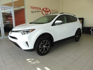 2016 Toyota RAV4 * LE * 35 000 KM * MAGS * SIÈGES CHAUFFANTS *