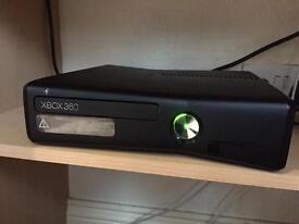 Xbox 360 Lite, 33 games & Headphones
