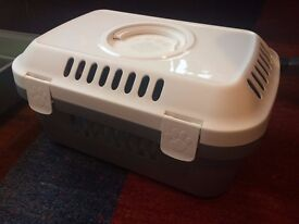Carry cage for small/medium animals, Savic discovery compact, good condition