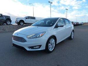 2015 Ford Focus Titanium, NAV, Heated Leather Seats