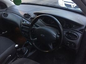 Black Ford Focus 2002