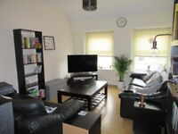 1 double bedroom in 2 bed flat with off road parking space on West St, Bedminster £400pcm