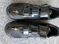 Specialised Spd Mountain Bike Shoes Size 44 UK 9.5 plus a pair of shimano spd m424 pedals