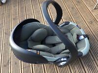 BeSafe iZi Go Modular i-size car seat and ISOFix base