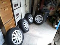Renault alloy wheels with allmost new tyres