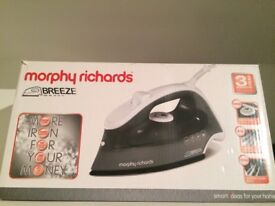Steam iron Murphy Richards new in box, black