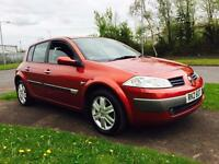 Red metallic 2005 Renault Megane Oasis 1.6 Petrol, low miles 81.000 MOTED 14-June-2017 , & TAXED
