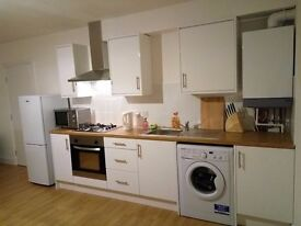 1 bed flat. Next to Goodmayes station in Ilford. Sharers/short term/DSS/housing benefit accepted