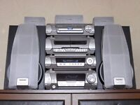 Technics SC-DV290 stereo and dvd player in silver. 5 speakers. Perfect working order.