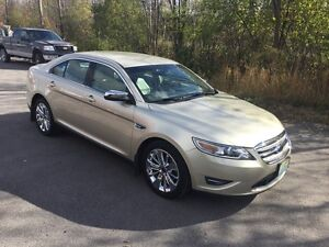 2010 Ford Taurus Limited.   Like New