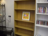 WOOD-EFFECT BOOKCASE