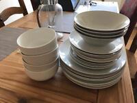 Dinner Plate Set £5