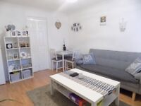 Lovely 2 Bedroom Apartment, Private Parking, Close to Town Centre, Schools, Shops - Available Now