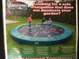 A trampoline/ Berg / inground /