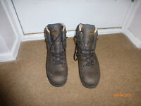 Meindl Mens Walking Boots - Size 15 Only worn a couple of times.
