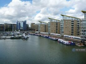1 bedroom flat in Victory Place, London, E14 (1 bed) (#1104101)