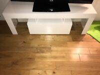 White gloss tv unit £30