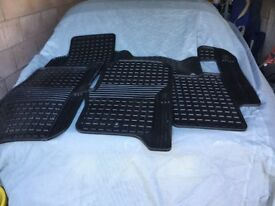Rubber Floor Mats for Discovery 4