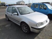 Volkswagen golf 1390cc in silver,mot until January taxed until February,great runner,towbar fitted