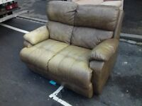 Stunning Comfy 2 Seater Leather Vintage 2 seater sofa FREE delivery