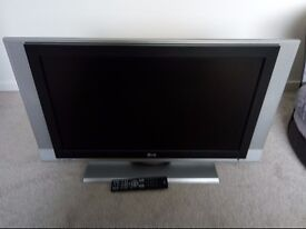 """LG 32lc3r 32"""" TV For Sale"""