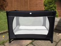 Travel cot with extra matress