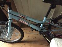 Child's/ girls bike