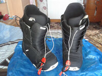 Ladies Burton Black Slim Fit Snowboarding Boots in Size 7.5 Only Worn Once