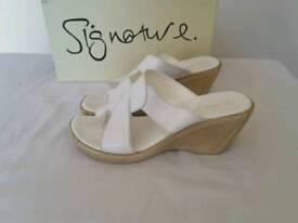 Signature white women's sandals