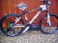 BRAND NEW OUT BOX, MUDDYFOX ANARCHY 500 HARDTAIL MTB + LIGHTS & LOCK**FREE DELIVERY HULL**
