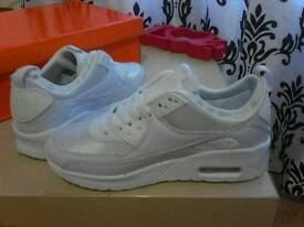 Trainers shock/air memery soul insolrs Size 3