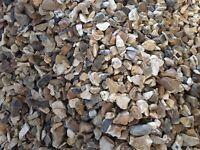 2 tonne of golden flint pebbles & asorted paving