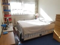MOVE IN NOW: Double room in East Acton close to shops & local transport (All Bills Inc)