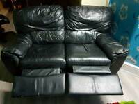 2 x 2 seters black leather recliner