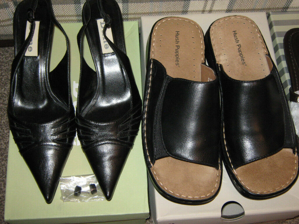 SELECTION OF WOMENS' SHOES - SIZES 4.5 AND 5