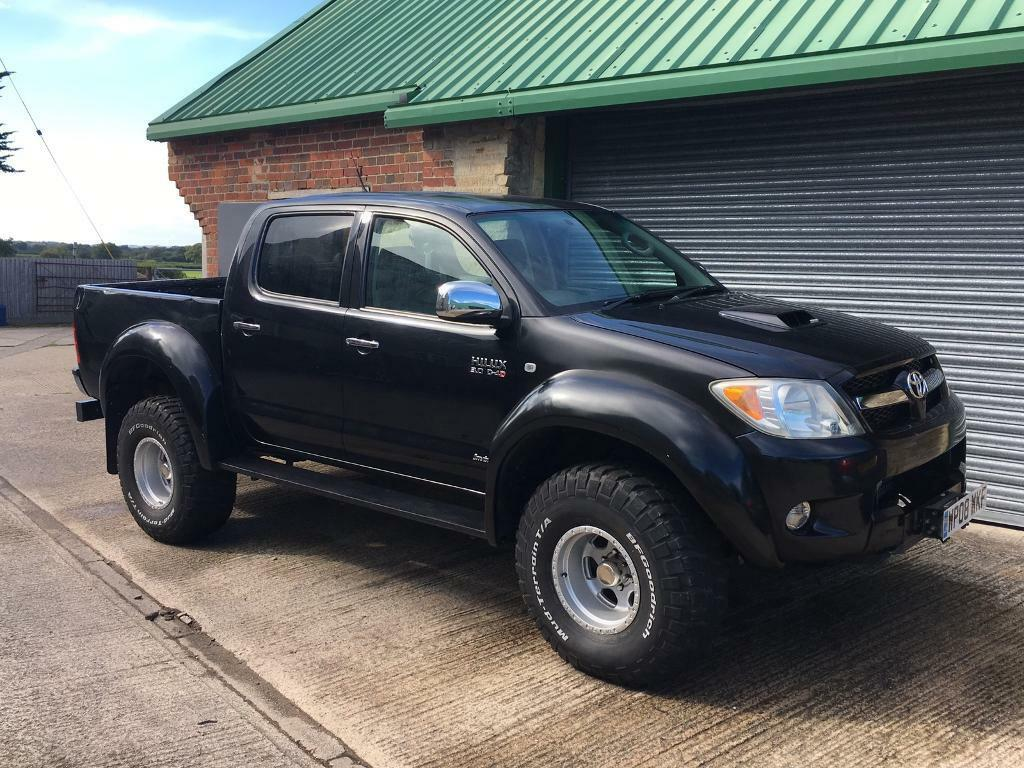 2008 toyota hilux 3 0 d4d hl3 double cab pickup arctic style truck with 35 tyres in. Black Bedroom Furniture Sets. Home Design Ideas