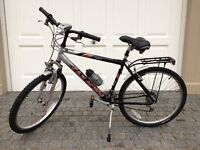 Mens Team Saracen Vex Mountain Bike. Immaculate Condition, one not to be missed.