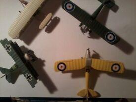 2 Corgi and 2 Lledo model aircraft