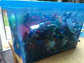4-5kg of mixed Lego pieces